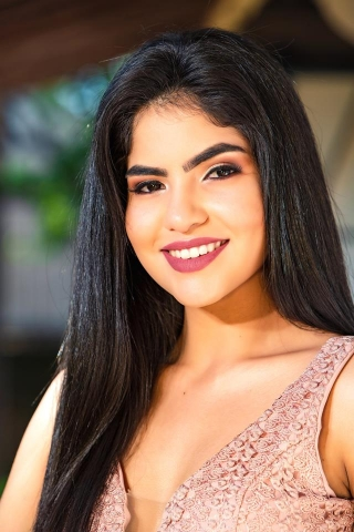 Candidata Nº 1 - LUCIA IRENE TRINIDAD ARÈVALO, edad 19 años